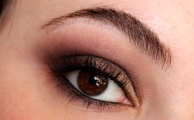 Maquillaje morado con sombras de Kryolan