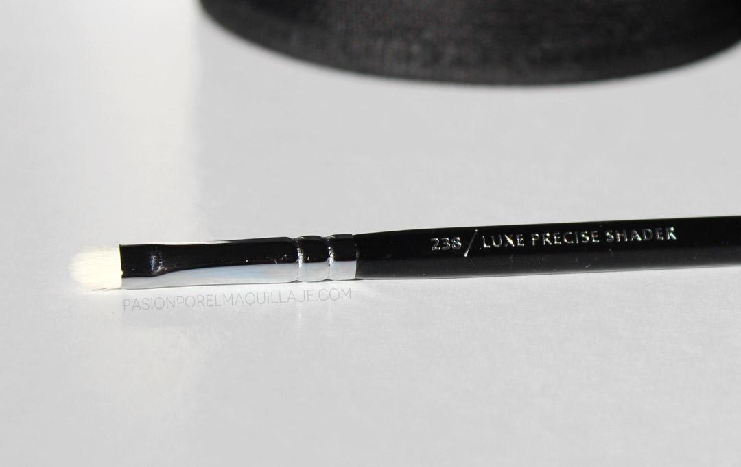 Zoeva 238 Luxe Precise Shader